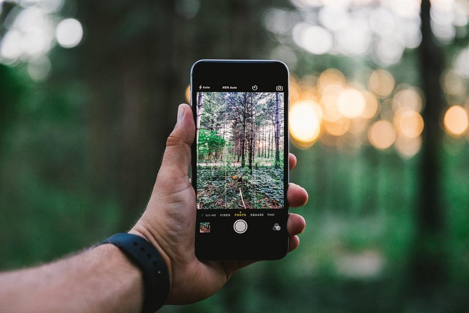 Recenze nejlepší mobillní telefon do 5000 Kč - březen 2017